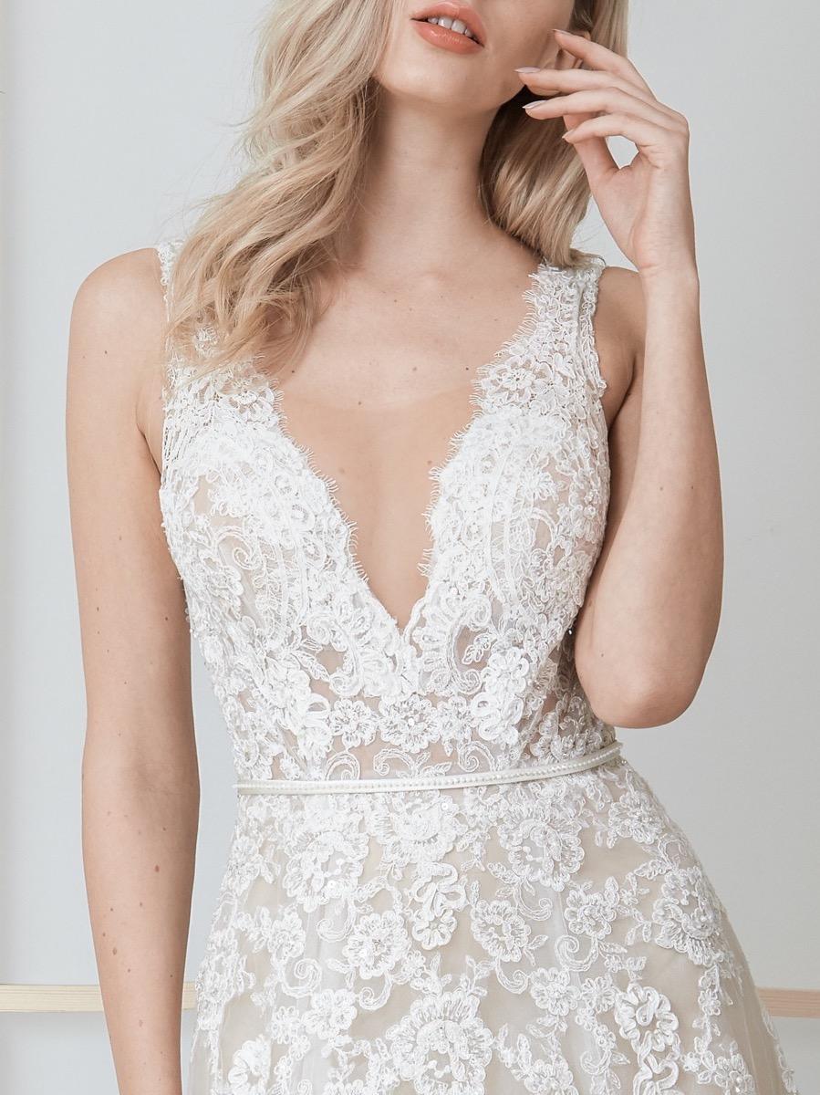lm-lusan-mandongus-2020-bridal-daisey-beaded-sensual-tulle-wedding-dress_3